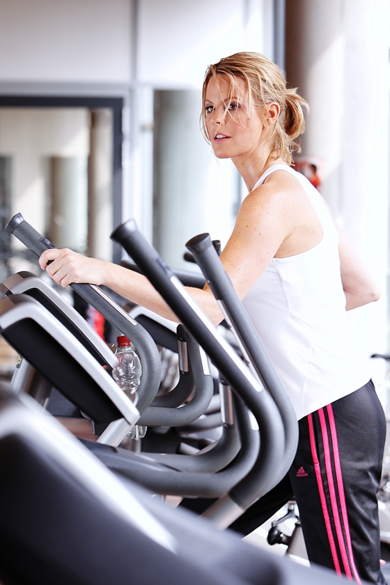 Fitness cross 560x839 - Sports