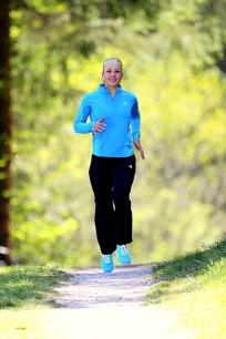 Magdalena Neuner für Adidas Joggen 204x306 - Sports