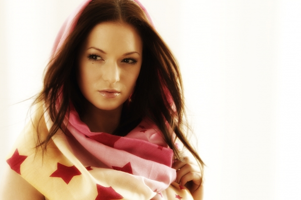 Pashmina shooting 2 595x396 - Fashion/Beauty