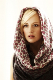 Pashmina shooting 3 204x306 - Fashion/Beauty
