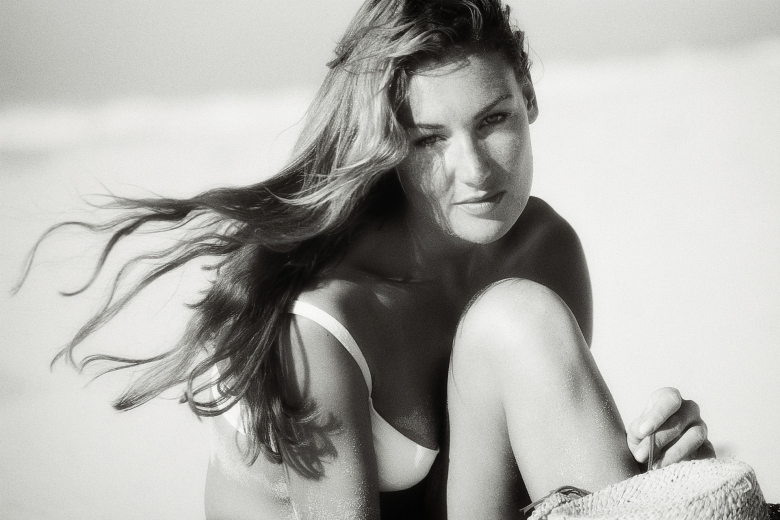 Felice at the beach 780x520 - Gallery/Emotions